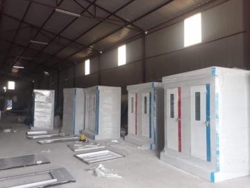 Nhà vệ sinh di động tại xưởng