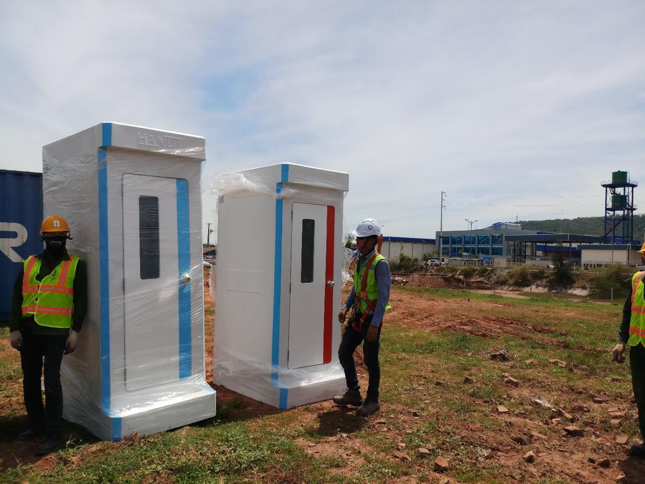 Giao nhà vệ sinh di động tại khu kinh tế Nghi Sơn, tỉnh Thanh Hoá