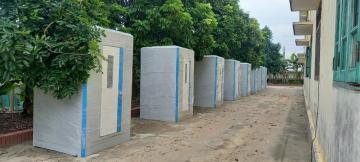 Lắp đặt vệ sinh di động tại khu cách ly thuộc tỉnh Hưng Yên